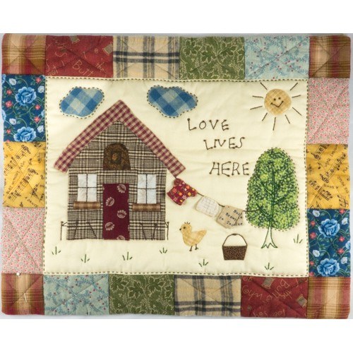 Love Lives Here (Pattern)